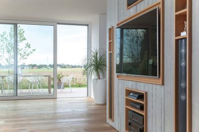 Emelő-toló teraszajtó - nappali ötlet, modern stílusban