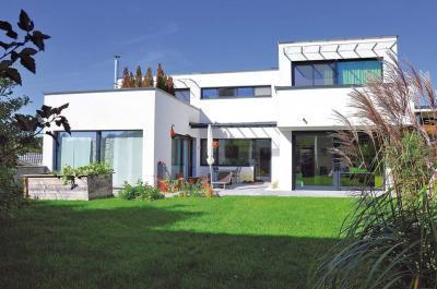 Nagy ablakfelületek a homlokzaton - homlokzat ötlet, modern stílusban