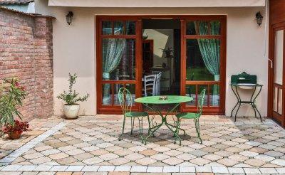 Házunk ékessége egy parányi mediterrán hangulatú belső udvar is lehet. - bejárat ötlet