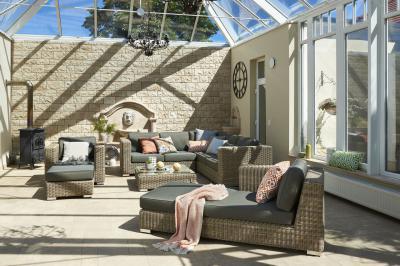 Essence kerti bútor - erkély / terasz ötlet