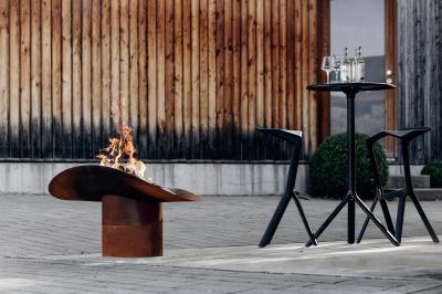 Tűzrakó kertbe, teraszra - erkély / terasz ötlet, modern stílusban