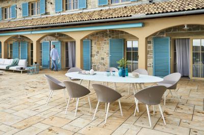 Modern étkezőasztal kertbe, teraszra - erkély / terasz ötlet