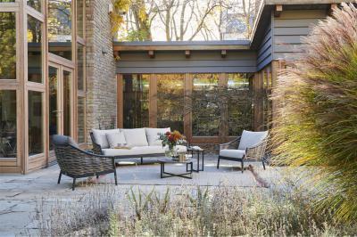 Fonott székek és kanapé - erkély / terasz ötlet, modern stílusban