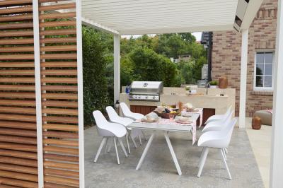 Fehér kerti étkezőbútor - erkély / terasz ötlet, modern stílusban