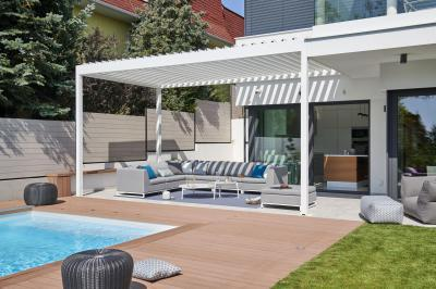 A nappali kényelme a teraszon - erkély / terasz ötlet, modern stílusban