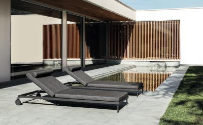 Kényelmes napozóágyak - erkély / terasz ötlet, modern stílusban