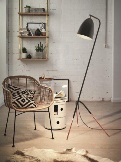 Trendi modern állólámpa - nappali ötlet