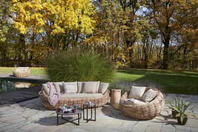 Fonott kerti kanapé fotellel - erkély / terasz ötlet, egzotikus stílusban