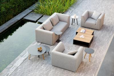 Kültéri kanapé fotelekkel - erkély / terasz ötlet, modern stílusban