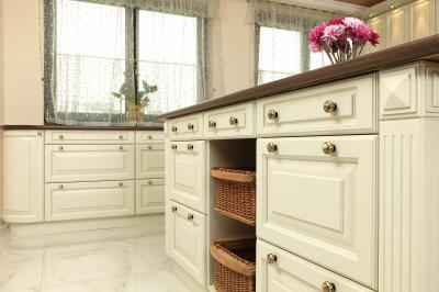 Tömörfa bútor a konyhában - konyha / étkező ötlet, klasszikus stílusban