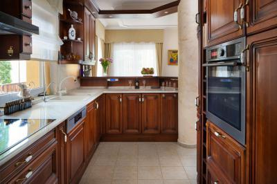 Klasszikus konyhabútor - konyha / étkező ötlet, klasszikus stílusban