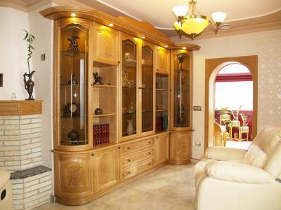 Klasszikus szekrény - nappali ötlet, klasszikus stílusban