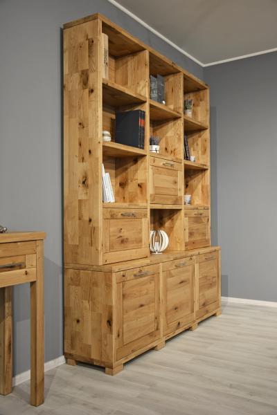 Rusztikus megjelenésű könyvespolc - nappali ötlet
