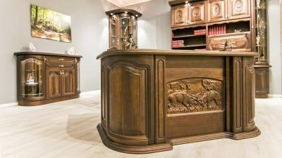 Vezetői íróasztal - dolgozószoba ötlet, klasszikus stílusban