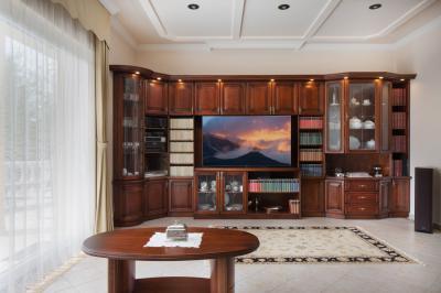 Klasszikus szekrénysor - nappali ötlet, klasszikus stílusban