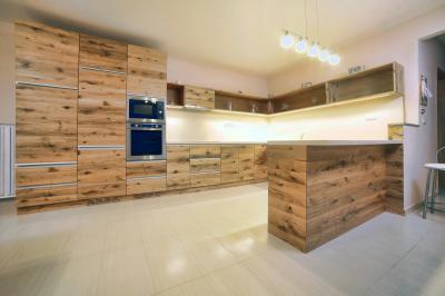 Tömörfa konyhabútor minimál stílusban - konyha / étkező ötlet, minimál stílusban