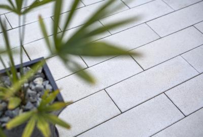 Térkő burkolat - erkély / terasz ötlet, modern stílusban