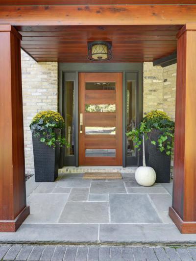 Előtetős bejárat - bejárat ötlet, modern stílusban