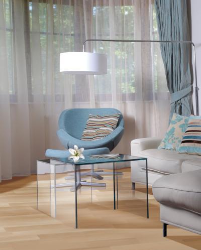 Bükk készparketta a padlón - nappali ötlet, modern stílusban