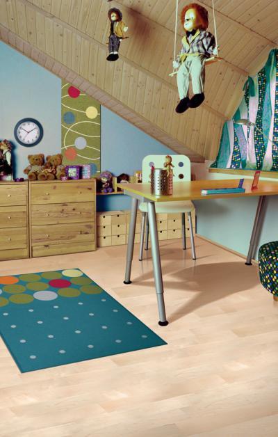 Gyerekszoba készparkettával burkolva - gyerekszoba ötlet, modern stílusban
