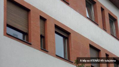 Aluredőny modern homlokzaton - homlokzat ötlet, modern stílusban