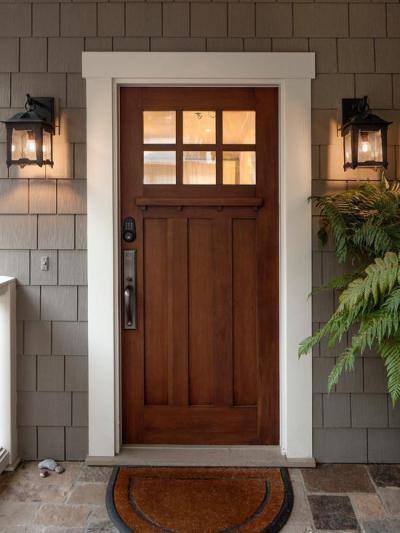 Fehér ajtókeret - bejárat ötlet, klasszikus stílusban
