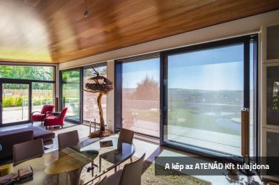 Fixscreen árnyékoló a teraszajtón - nappali ötlet, modern stílusban