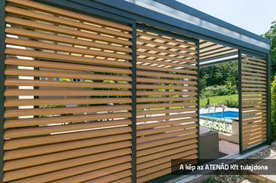 Loggia alu tolózsalugáter a teraszon - erkély / terasz ötlet, modern stílusban