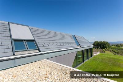 Árnyékoló a tető ablakon - tető ötlet, modern stílusban