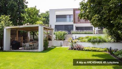 Hagyományos zsaluzia - erkély / terasz ötlet, modern stílusban