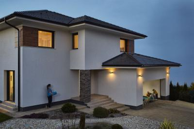 Sötét színű tetőcserepek - tető ötlet, modern stílusban