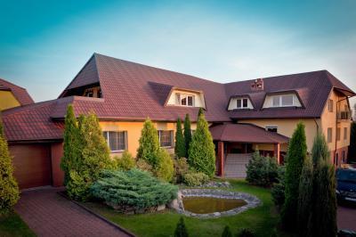 Zsindelyfedés a tetőn - tető ötlet, modern stílusban