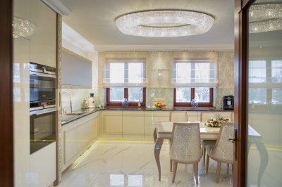 Romantikus stílus a konyhában - konyha / étkező ötlet, klasszikus stílusban