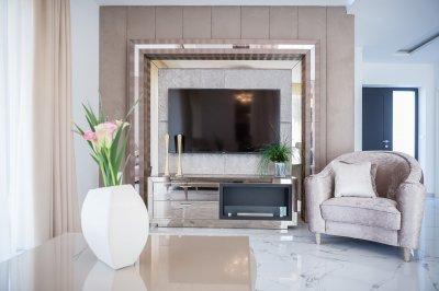 Nappali enteriör világos színekben - nappali ötlet, klasszikus stílusban