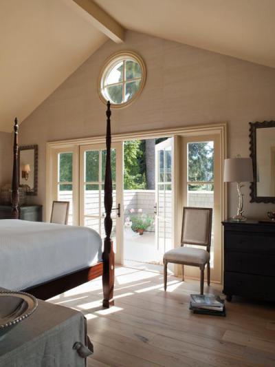 Hálószoba terasszal - bejárat ötlet, klasszikus stílusban