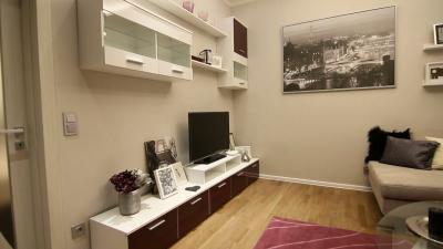 Készparketta a nappaliban - nappali ötlet, modern stílusban