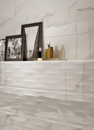 Márvány hatású csempék a fürdőben - fürdő / WC ötlet, modern stílusban