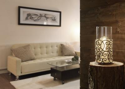 Díszes asztali lámpa - nappali ötlet