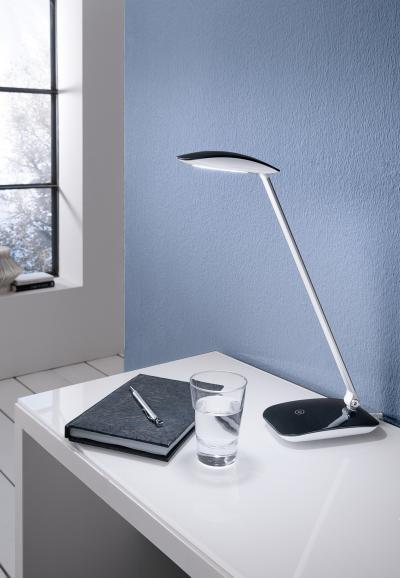 LED asztali lámpa - dolgozószoba ötlet, modern stílusban