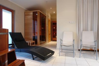 Infraszauna otthon - fürdő / WC ötlet, modern stílusban