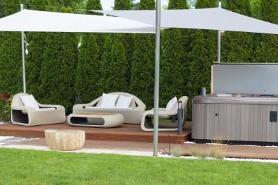 Kerti bútorok árnyékolóval - erkély / terasz ötlet, modern stílusban