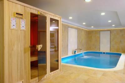 Jacuzzi és szauna otthon - medence / jakuzzi ötlet, modern stílusban