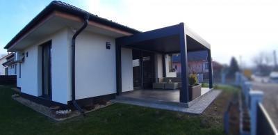 Terasz pergolával - erkély / terasz ötlet, modern stílusban