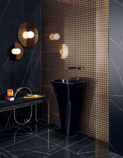 Fekete és arany színű csempe - fürdő / WC ötlet, modern stílusban