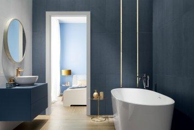 Kék és fehér csempe - fürdő / WC ötlet, modern stílusban