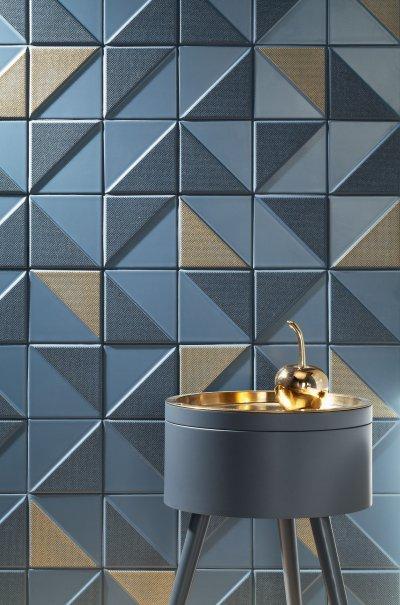 Kék arany csempe - fürdő / WC ötlet, modern stílusban