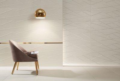 Fehér csempe arany dekorral - fürdő / WC ötlet, modern stílusban