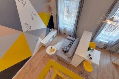 Színes garzon lakás - nappali ötlet, modern stílusban