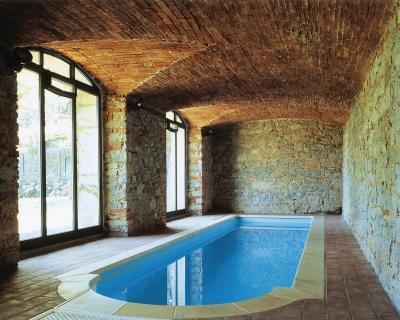 Medence különleges helyen - medence / jakuzzi ötlet, rusztikus stílusban