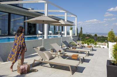 Modern napozóágyak - erkély / terasz ötlet, modern stílusban